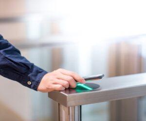 contrôle-daccès-smartphone-identifiant-1200x707